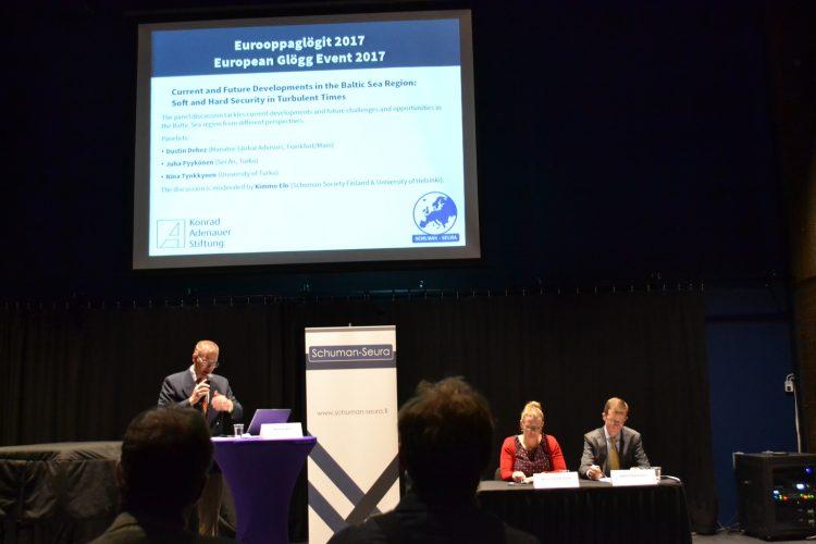 Schuman-seuran Eurooppaglögeillä 11.12.2017 puhuttiin turvallisuudesta ja palkittiin Ossi Tuusvuori